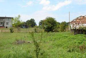 This building plot is located in Fazanovo a desirable position and represents extremely good value.